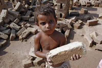 Pakistan scheme helps 88,000 child brick workers go to school