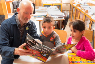 Illustrator Nick Sharratt helps Syrian refugee children tell their stories through art