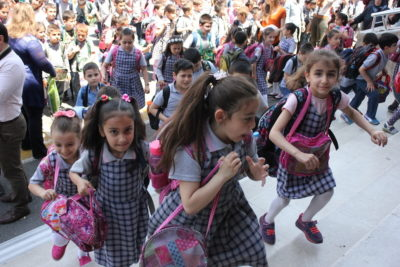 Turkey to build schools for thousands of Syrian refugee children