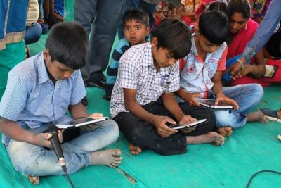Internet changes the lives of school children on remote Indian salt flats