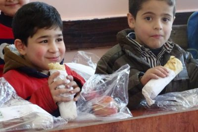 School meals for 15,000 children in Aleppo is 'a turning point'