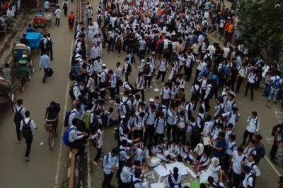Bus deaths spark huge road safety protests by school students in Bangladesh