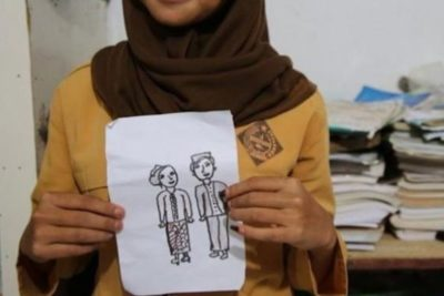 Indonesia set to ban child marriage after outcry over viral picture