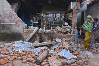 Hundreds of schools damaged by earthquakes on Indonesian island of Lombok