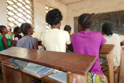 Girl soldiers just want to go back to school in DRC