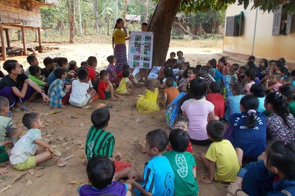 Mobile teachers help out-of-school children from ethnic